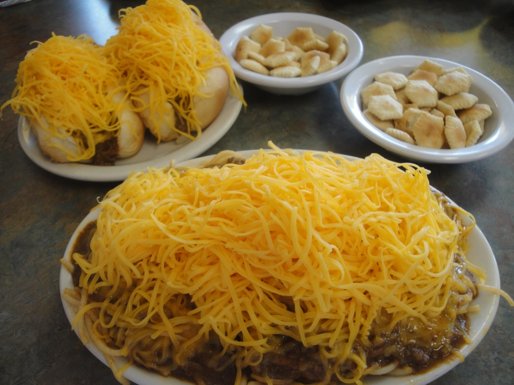 The Right Way To Eat Skyline Chili (1/4)