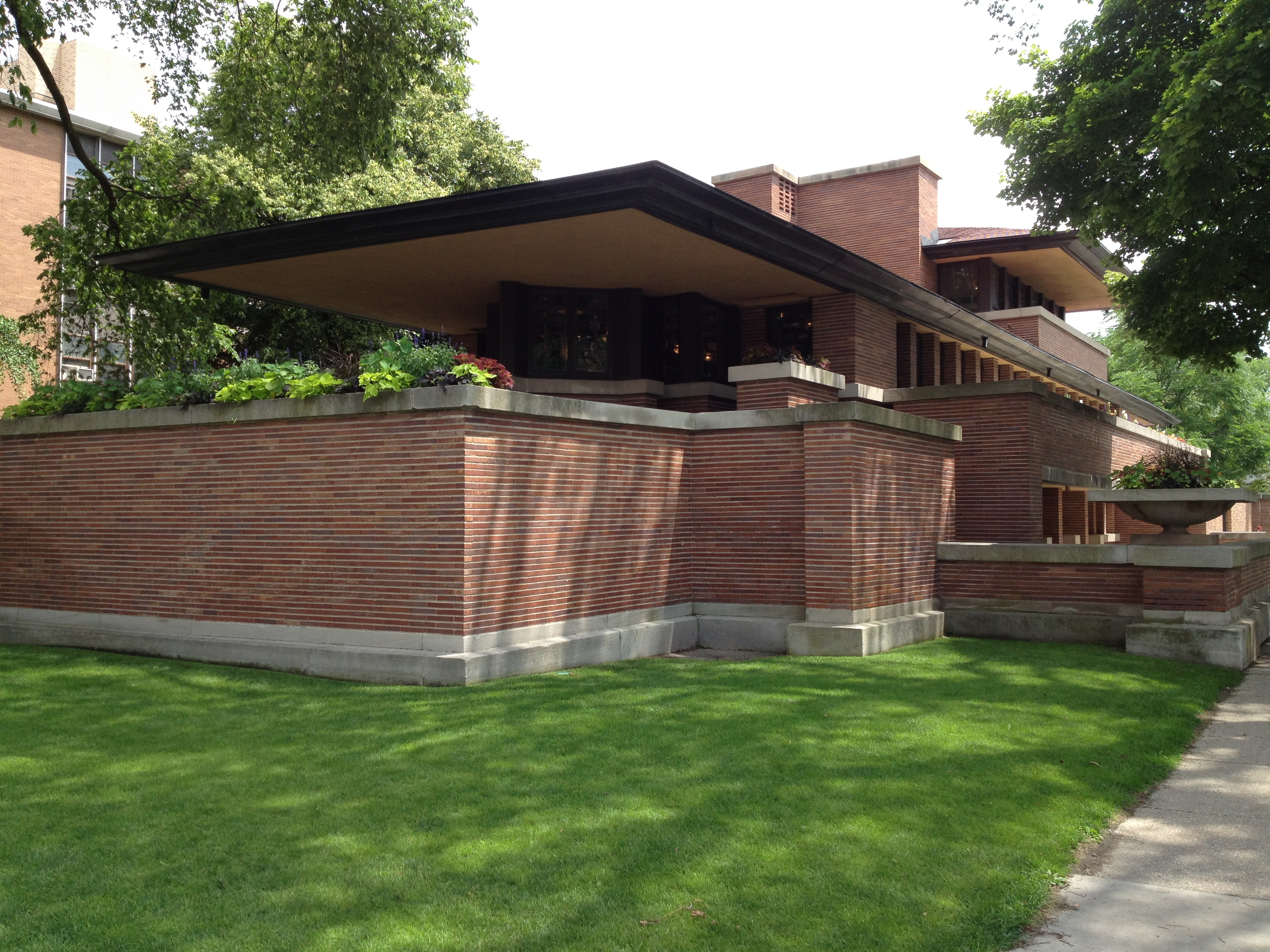 Frank lloyd wright webner house for Frank lloyd wright houses