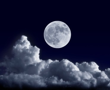 fotolia_42638075_full-moon2