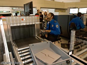 art-tsa-checkpoint-afp-gi