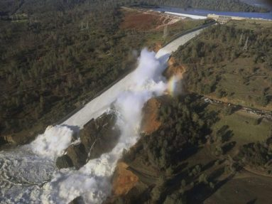 oroville-dam-side-view-associated-press-640x480