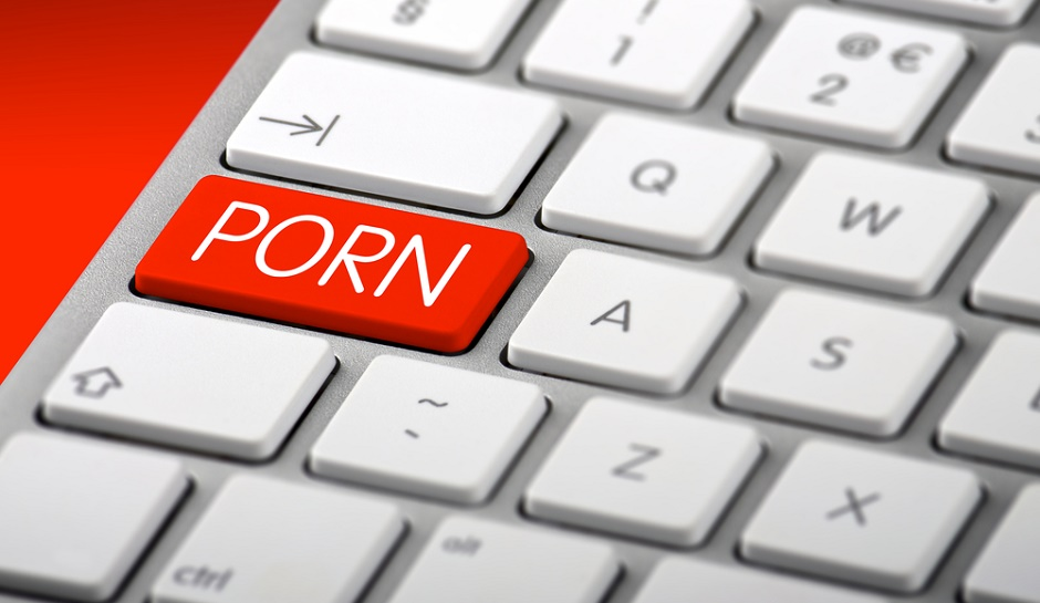lawmaker-calls-to-block-federal-employees-porn-access
