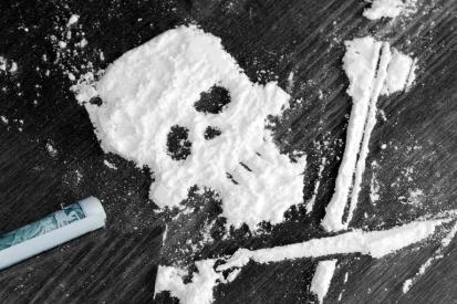 drug-powder-skull