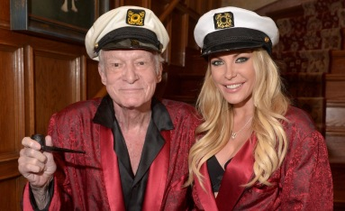 playboy-mansion-for-sale-comes-with-hugh-hefner-social