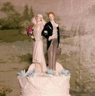 c7c002d8f611f84dbb4a87126049271b-vintage-wedding-cake-toppers-wedding-topper