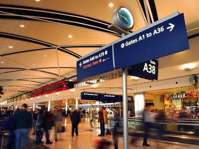 metro_airport_inside_mcnamara_terminal_20130916171656_640_480