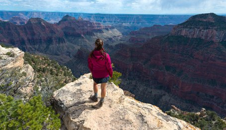 gc-north-rim-bright-angel-pt-hiker_dollar_680